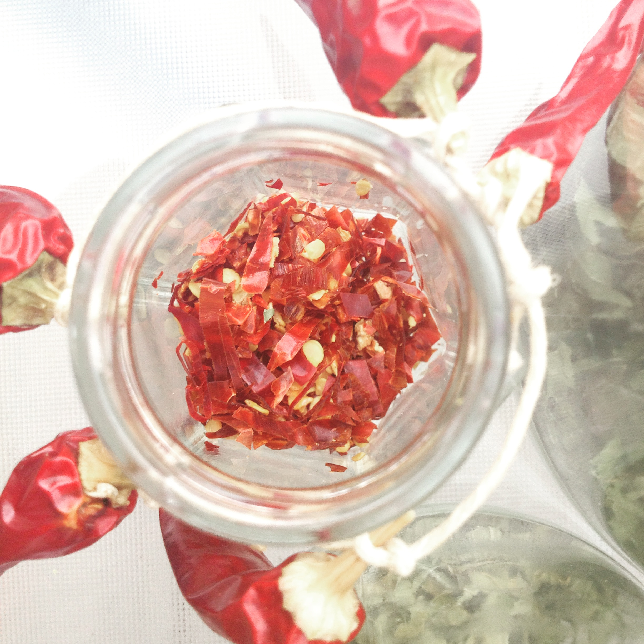 Diy organic dried chili flakes culture greens for Chili flakes
